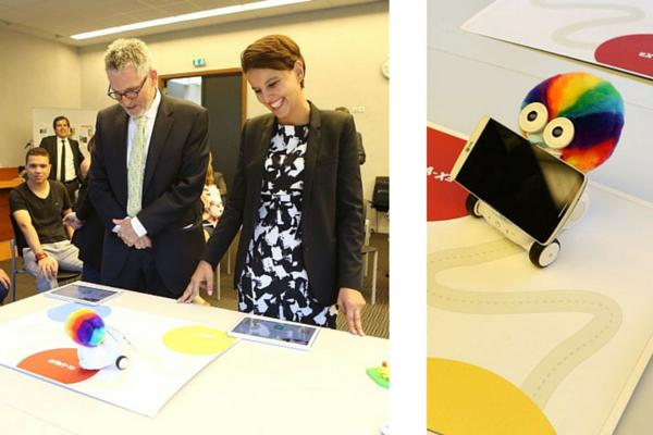 Projet OCINAEE : le robot Albert séduit la ministre de l'Education nationale