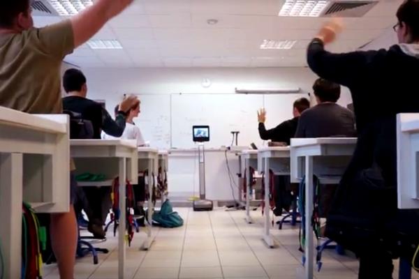 robot lycéen - téléprésence mobile