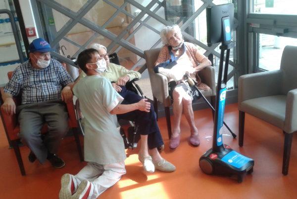 Des robots de téléprésence maintiennent le lien entre familles et résidents dans les EHPAD de la région Auvergne - Rhône-Alpes